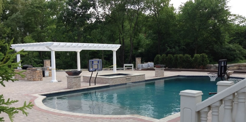 Attractive Michigan Hardscaping: Improve Your Home With A Fiberglass Pool