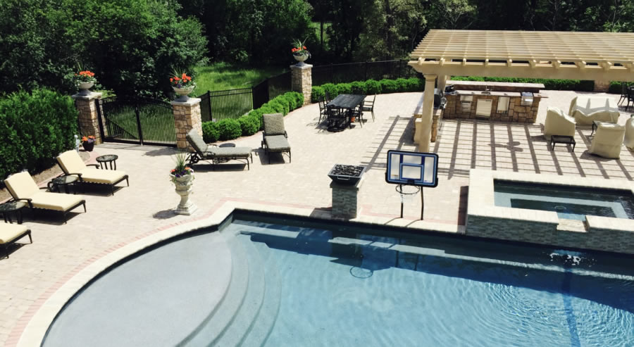 Oakland twp pool contractor explains 3 types of swimming pools for Types of swimming pools