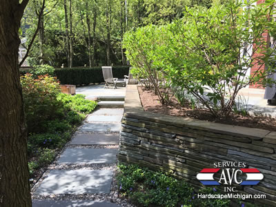 Troy, Michigan: The Benefits of Natural Stone for Retaining Walls - AVC Hardscape Michigan